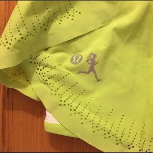 Lululemon Seawheeze Skirt Lime Green size 4